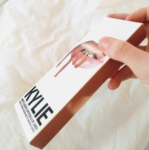 Kylie Cosmetics Makeup - Collectible Kylie Jenner lip kit box